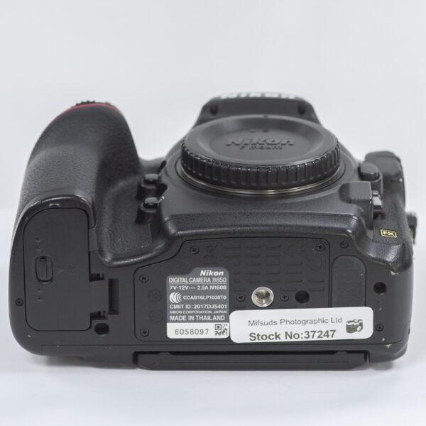 D850-1